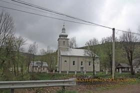Гукливий. Свято-Духівська церква