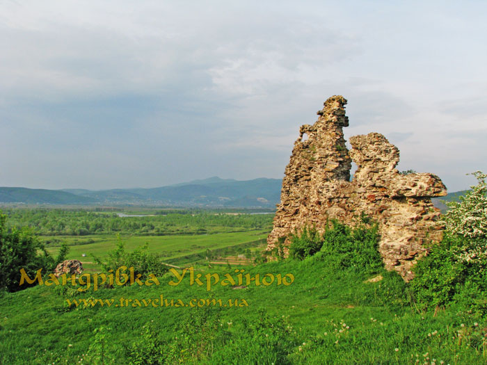 замк Ньолаб