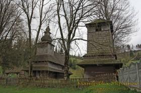 Гукливий. Дерев'яна церква св. Духа та дзвіниця