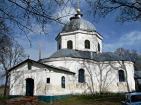 Нові Млини. Троїцька церква