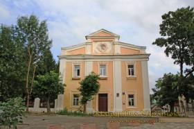 Луцьк. Будівля колишнього монастиря тринітаріїв
