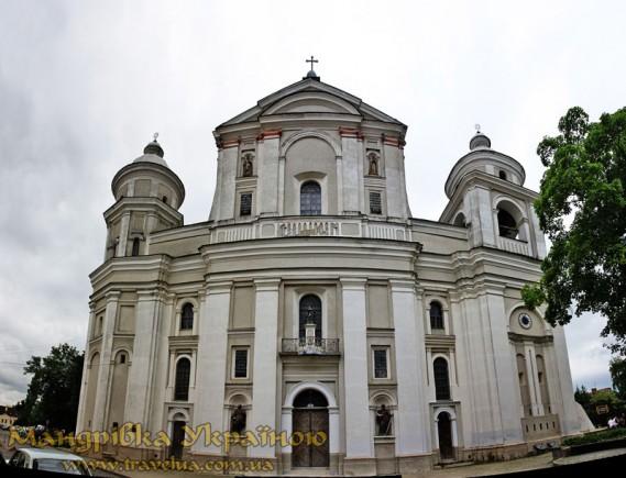 Луцьк. Петропавлівський костел