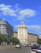Харків. Будинок зі шпилем