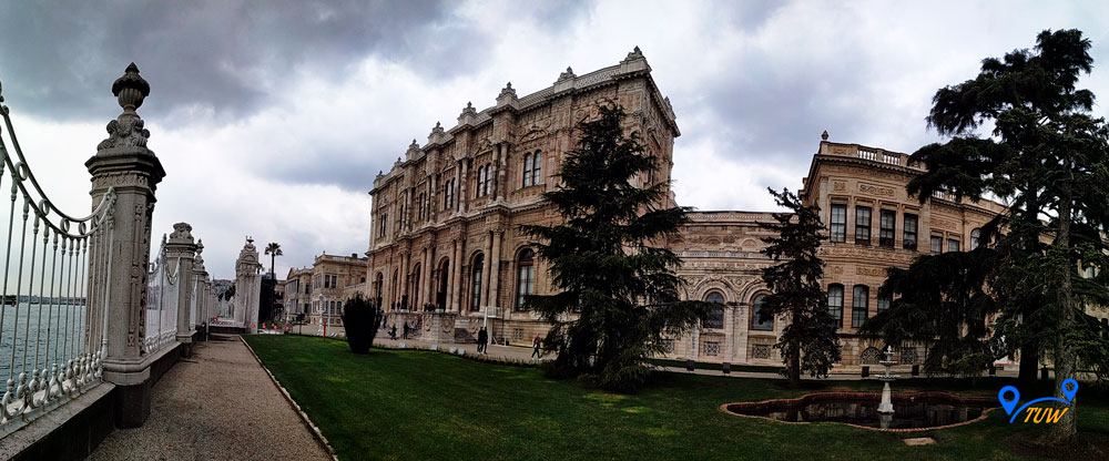 Стамбул. Дворец Долмабахче.